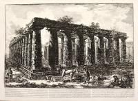 Vue des restes d'une grande enceinte de colonnes...