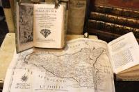 Lo stato presente della Sicilia o sia breve, e distinta descrizione di essa...accresciuta colle notizie delle isole aggiacenti